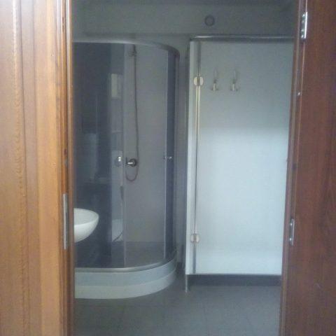 kontener sanitarny z łazienką