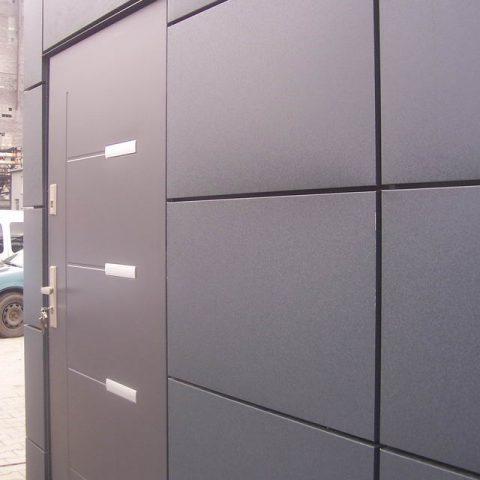 kontenery handlowe drzwi wejściowe